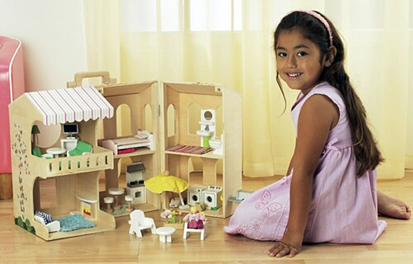 Ryan's Room Carry 'n' Play Dollhouse